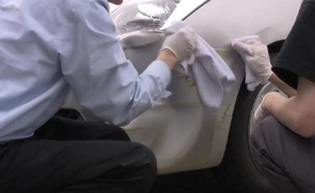 Fön makinesiyle araba tamir ettiler - Page 2