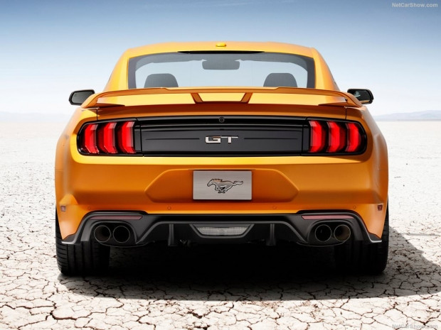 Ford Mustang GT 2018 - Page 1