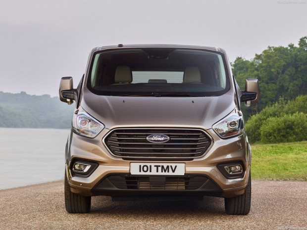 Ford Tourneo Custom 2018 - Page 2