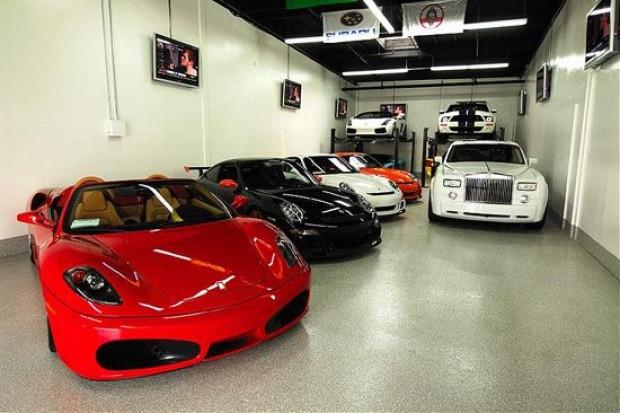 Fransız Ferrari tutkunu, arabalarına ev yaptı! - Page 2