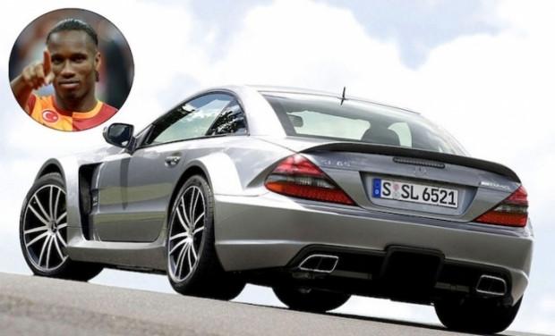 Futbolcuların kullandığı en pahalı arabalar! - Page 2