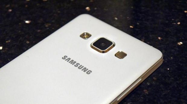 Galaxy A8'le ilgili yeni detaylar - Page 2