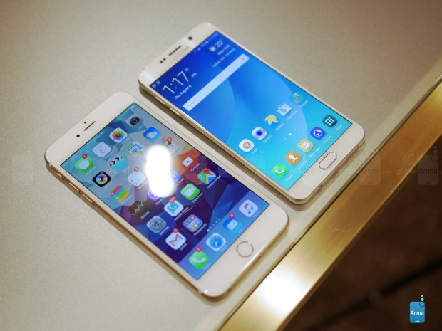 Galaxy Note5 ve iPhone 6 Plus yan yana - Page 1