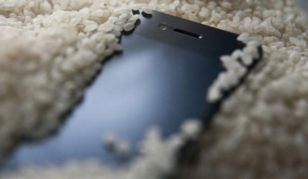 Galaxy S5, iPhone 5S karşı karşıya! - Page 1