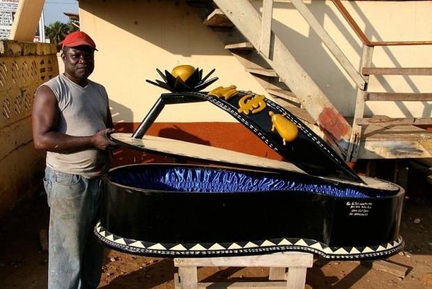 Ganalı tabut yapımcısı Paa Joe'dan fantastik tabutlar - Page 2
