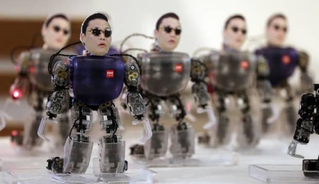 Gangnam Style yapan robotlar ! - Page 1