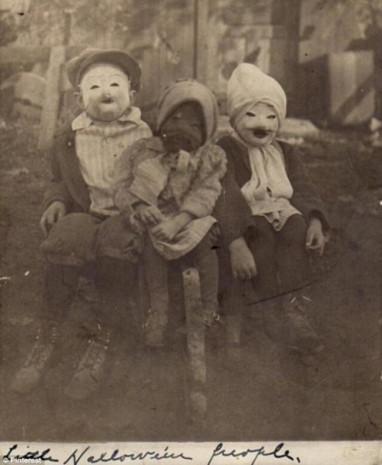 Gece asla bakmamanız gereken birbirinden korkunç tarihi fotoğraflar! - Page 3