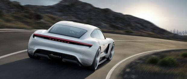 Geleceğin elektrikli otomobili Porsche Misyon E - Page 3