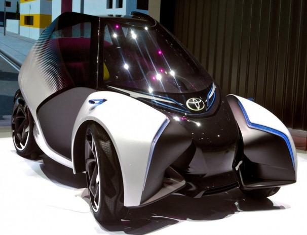Geleceğin otomobili Toyota, i-Tril - Page 2