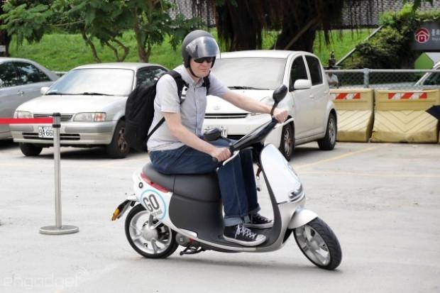 Gogoro, Akıllı Scooter satacak! - Page 2