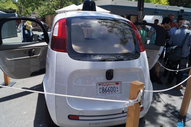 Google'ın sürücüsüz aracı görüntülendi! - Page 4