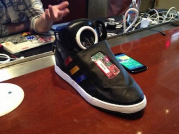 Google'ın yeni projesi konuşan ayakkabı! - Page 1