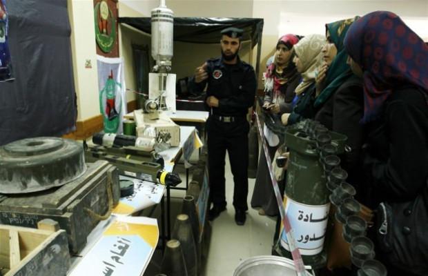 Hamas müzesinde silahlarını tanıttı! - Page 2