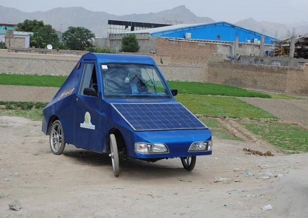 Hem elektrik hem de güneş enerjisiyle çalışan otomobil yaptı! - Page 2
