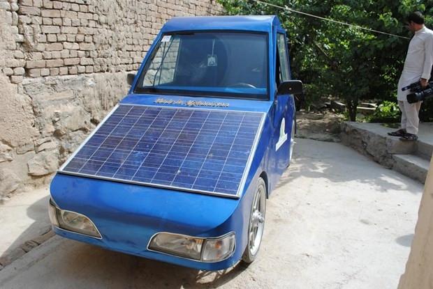 Hem elektrik hem de güneş enerjisiyle çalışan otomobil yaptı! - Page 3