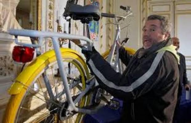 Hem kaykay hem bisiklet olabiliyor! - Page 1