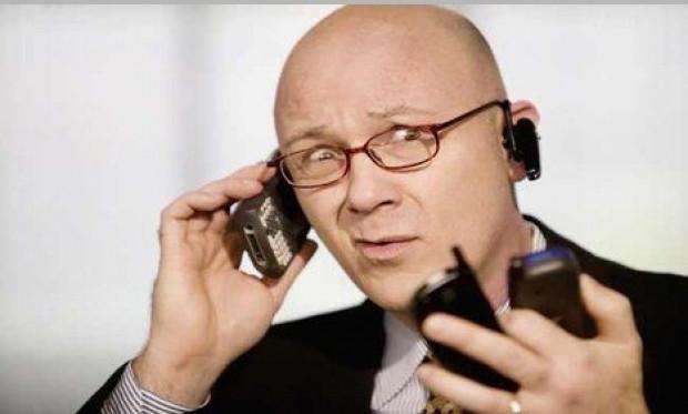 Her 6 kişiden biri günde en az 50 kez telefona bakıyor - Page 1