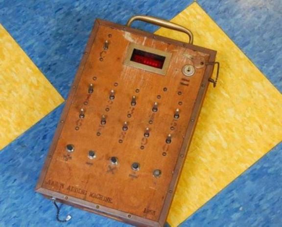 Hesap Makinasının Geçmişten Günümüze Gelişimini Anlatan 11 Fotoğraf - Page 2