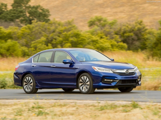 Honda Accord Hybrid 2017 - Page 4