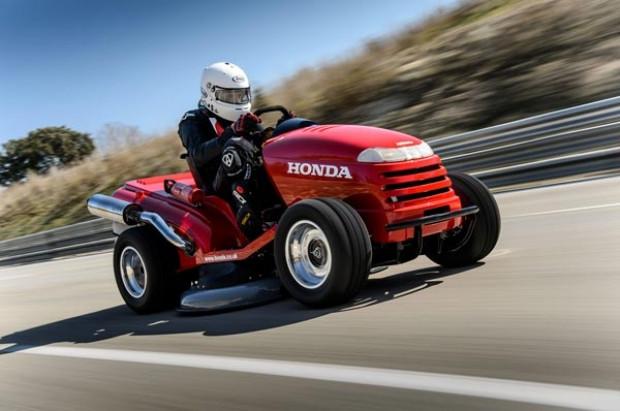 Honda çim biçme makinası, 0/100 km'ye 4 saniyede çıkıyor! - Page 2