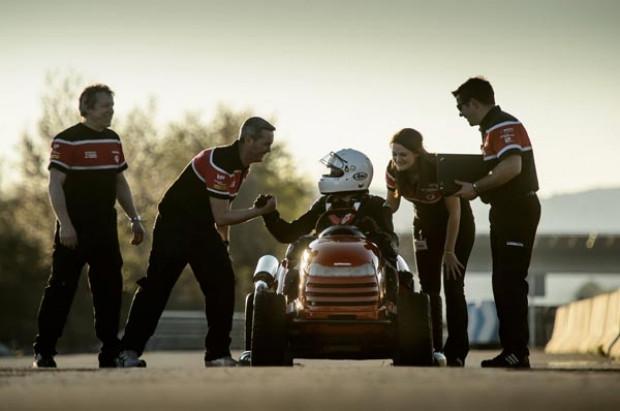 Honda çim biçme makinası, 0/100 km'ye 4 saniyede çıkıyor! - Page 4