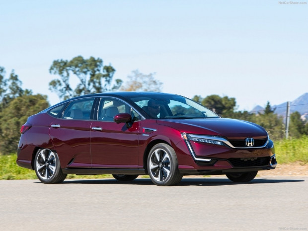 Honda Clarity Fuel Cell 2017 - Page 1