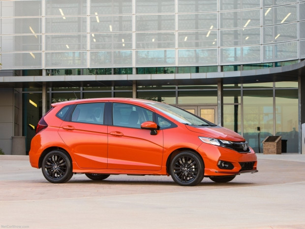 Honda Fit 2018 - Page 3