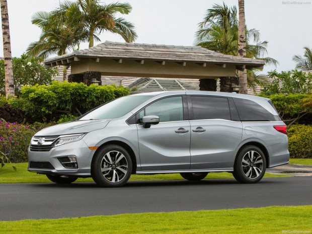 Honda Odyssey 2018 - Page 1