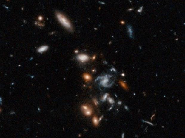 Hubble, uzayda gizemli objeler saptadı! - Page 2