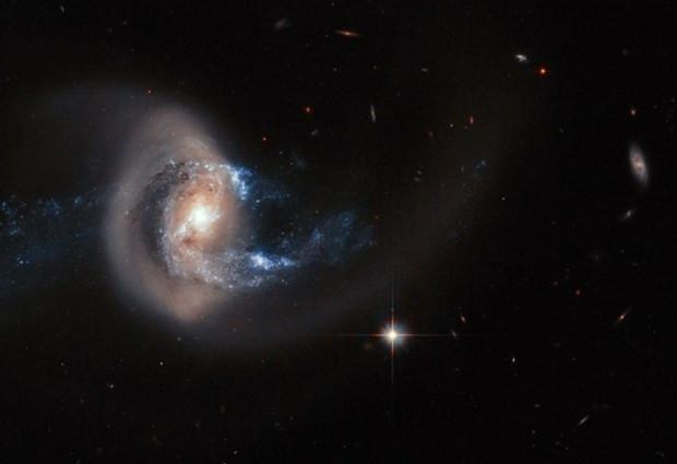 Hubble, uzayda gizemli objeler saptadı! - Page 3