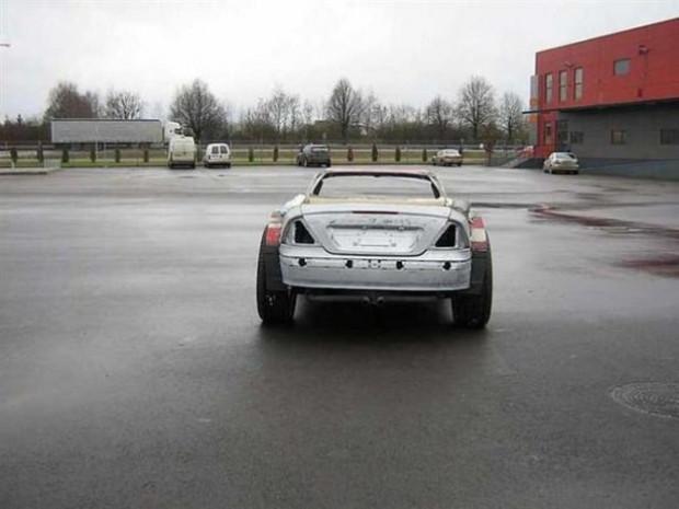Hurda olarak aldığı Mercedes-Benz CLK-Class'ı baştan sona değiştirdi - Page 2