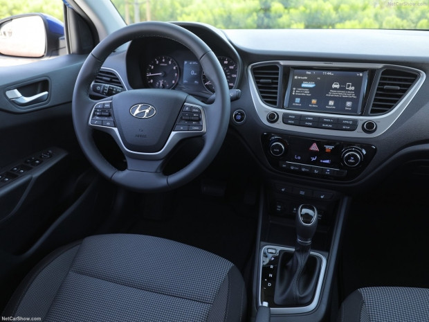 Hyundai Accent 2018 - Page 2