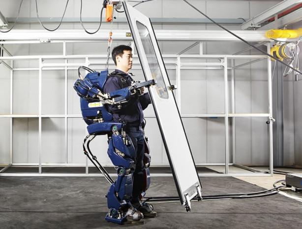 Hyundai iskelet robotunu sergiledi - Page 3