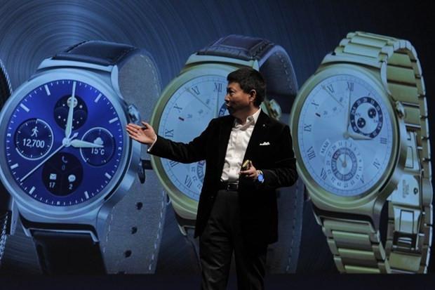 IFA 2015'in gözdesi akıllı saatler - Page 3