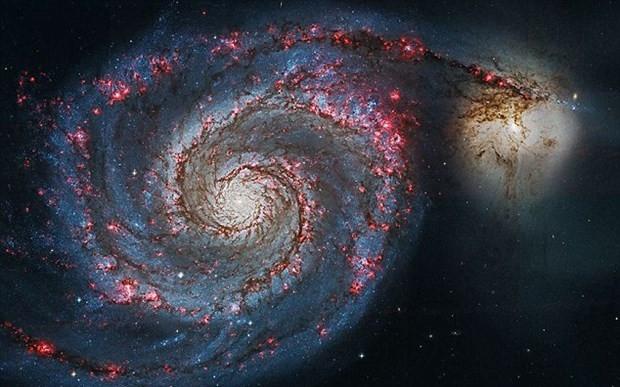 İki galaksinin birleşme anı kaydedildi - Page 1
