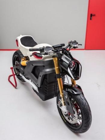 İlk İtalyan elektrikli motosiklet Volt Lacama - Page 4