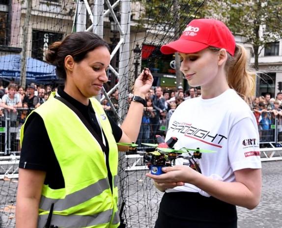 İlk kez yapılan drone festivali renkli görüntüler - Page 2