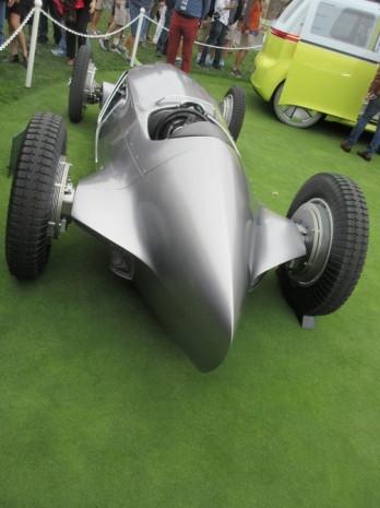 Infiniti'nin elektrikli retro yarış arabası kameraların önünde - Page 2