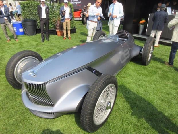 Infiniti'nin elektrikli retro yarış arabası kameraların önünde - Page 3