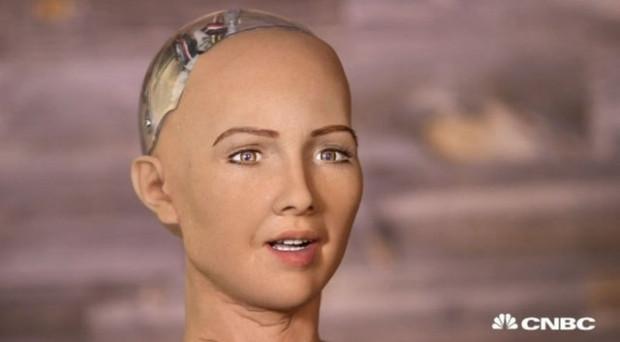 İnsana en çok benzeyen robot: Sophia - Page 3