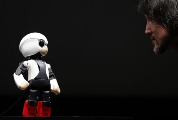 İnsani özelliklere sahip robotlar! - Page 2