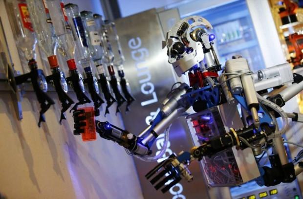 İnsani özelliklere sahip robotlar! - Page 3