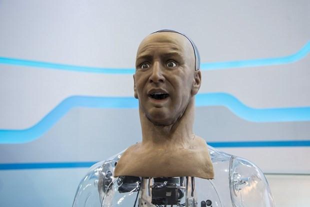 İnsansı robot mimik yapabiliyor - Page 3