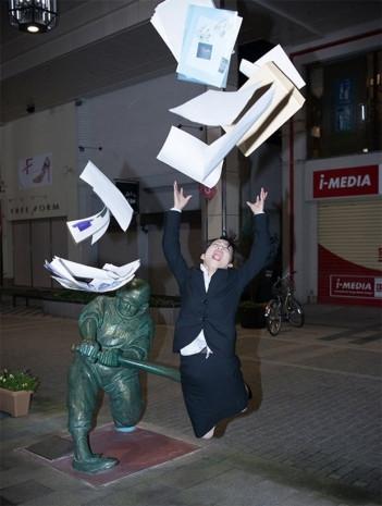 İnternette yeni moda heykellerle poz verme - Page 3