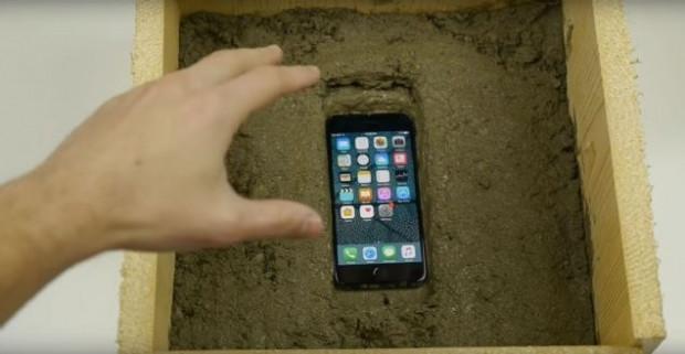 iPhone 7 üzerine bu sefer de çimento döküldü! - Page 2