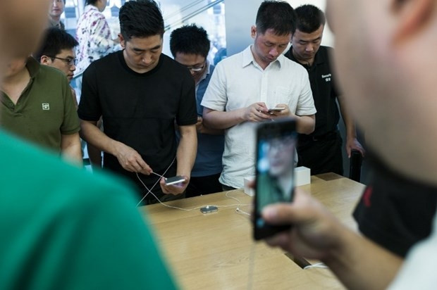 iPhone 7 ve 7 Plus satışa sunuldu işte o izdiham - Page 4