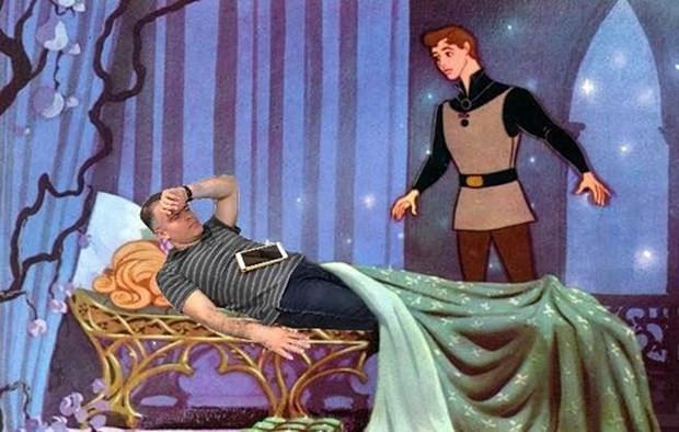 İş yerindeki kanepede uyuyakalan CEO sosyal medyada rezil oldu! - Page 1