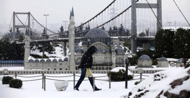 İstanbul'da okullar yarın da tatil mi? - Page 1