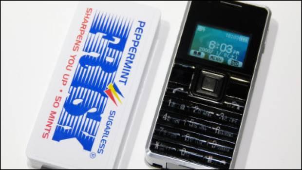 İşte Dünyanın en küçük telefonu! - Page 3