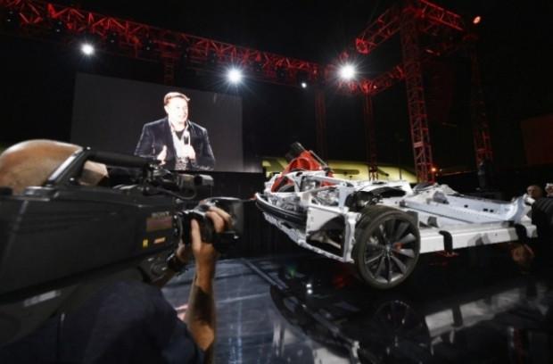 İşte geleceğin otomobili Tesla Zero Emıssıons - Page 1